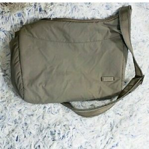 Pacsafe Citysafe 200 GII Crossbody/ Shoulder Bag